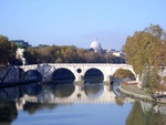 Closer view on Ponte Sisto